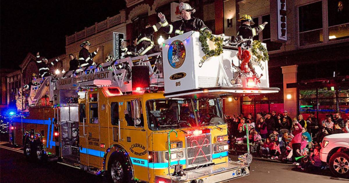 holiday parade down street