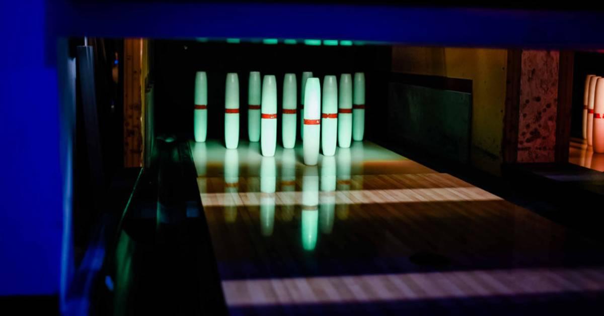 candlepin bowling pins