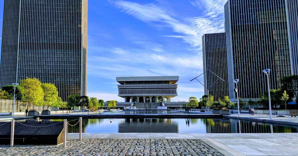 empire state plaza reflecting pool