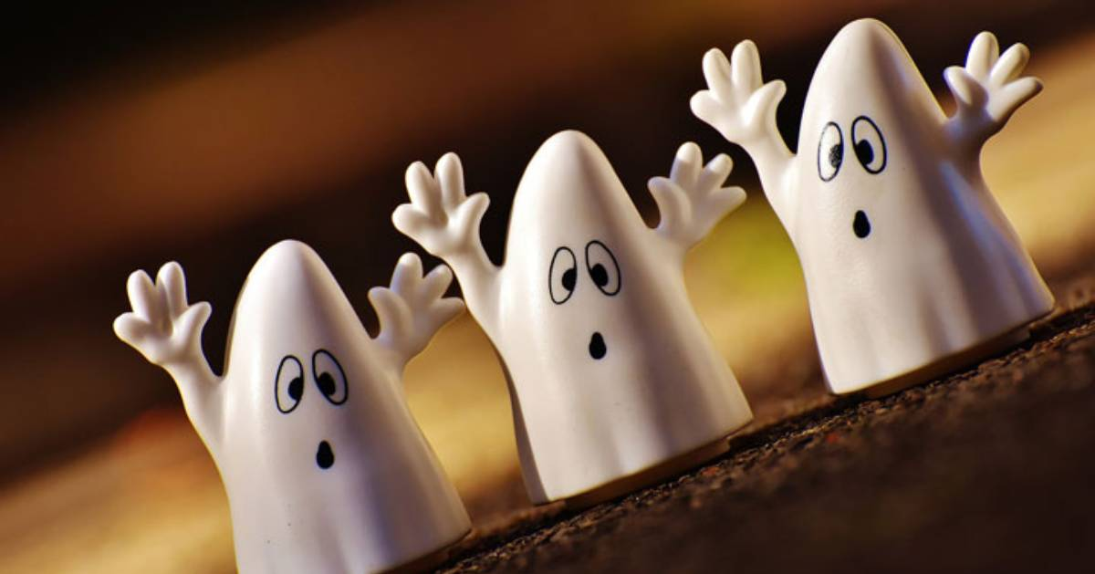 three mini ghost toys/decorations