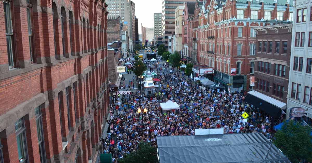 crowd filling n. pearl street at pearlpalooza
