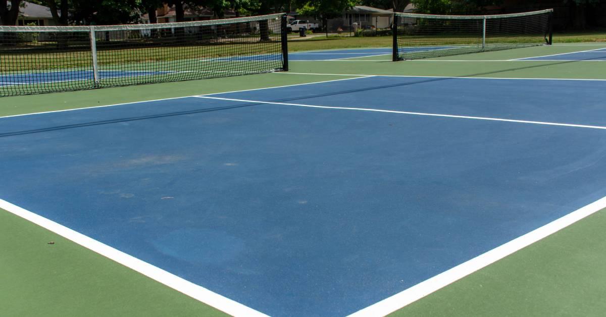 a blue pickleball court