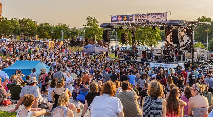 large crowd at Rockin' on the River