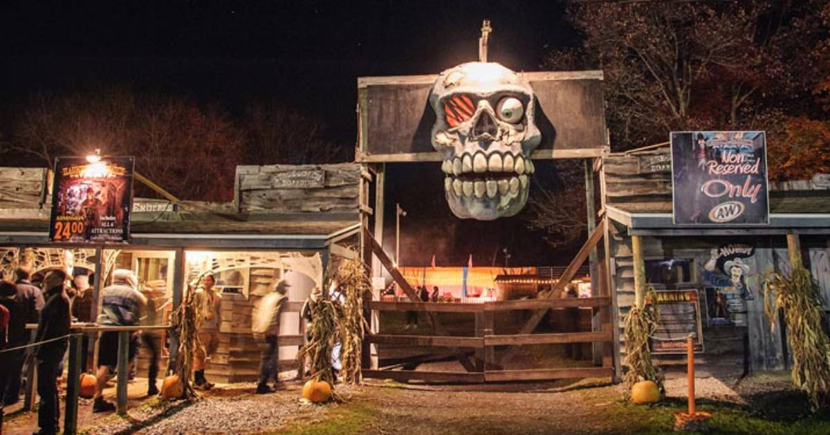 Experience Spooky Spots & Halloween Season Attractions in