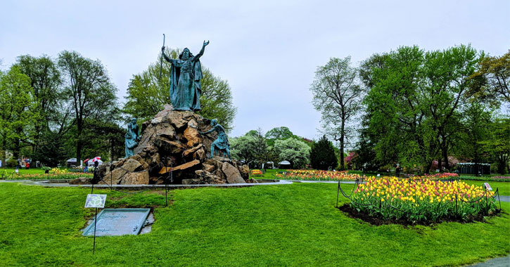 statue and tulips in Washington Park