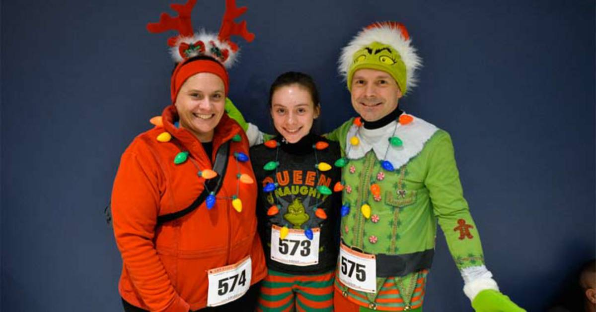 runners with festive outfits