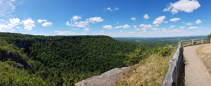 panoramic view of the valley from thacher park
