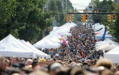 huge crowd at LarkFest