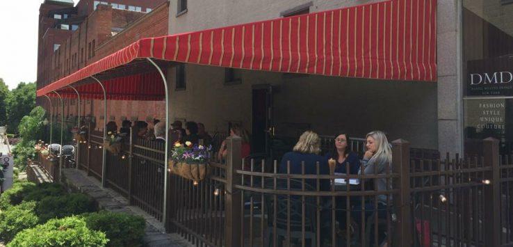 pearl street pub patio