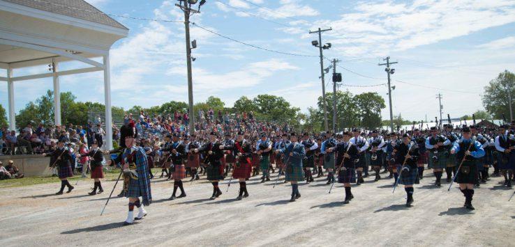 bagpipers parade