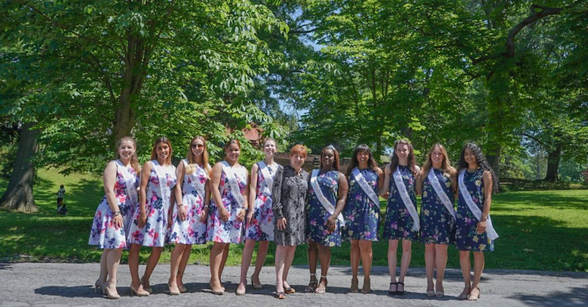 tulip queen and court photo in albany