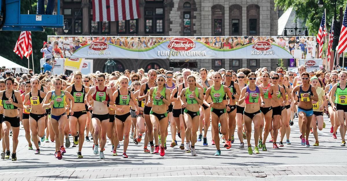 women running in a road race