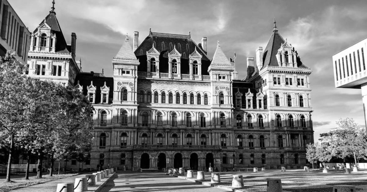 black and white image of NYS Capitol